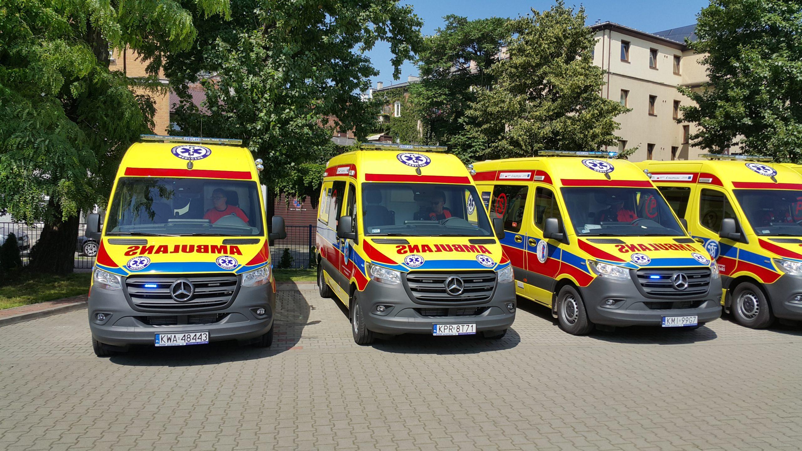 nowy-ambulans-dla-zzoz-w-wadowicach-w-ramach-pakietu-medycznego-malopolskiej-tarczy-antykryzysowej