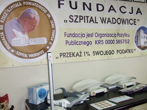 fundacja-szpital-wadowice-przekazala-sprzet-zakupiony-za-srodki-z-1