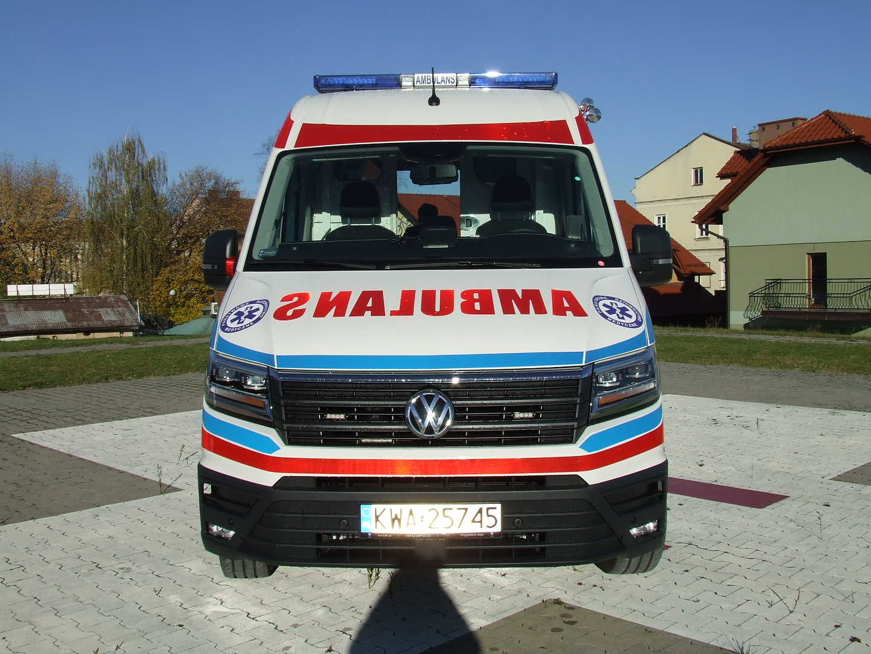 nowa-karetka-dla-szpitala-2